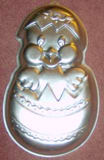 WILTON CHICK IN EGG CAKE PAN EASTER MOLD
